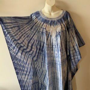 Vintage boho embroidered blue white caftan